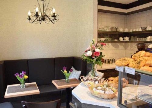 Frühstück, Imbiss, Kaffeespezialitäten - Bäckerei Krahl
