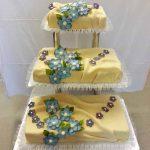 3-stöckige Hochzeitstorte m. Blumen
