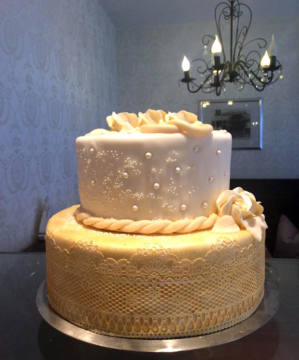 Hochzeitstorte 2-Stöckig golden