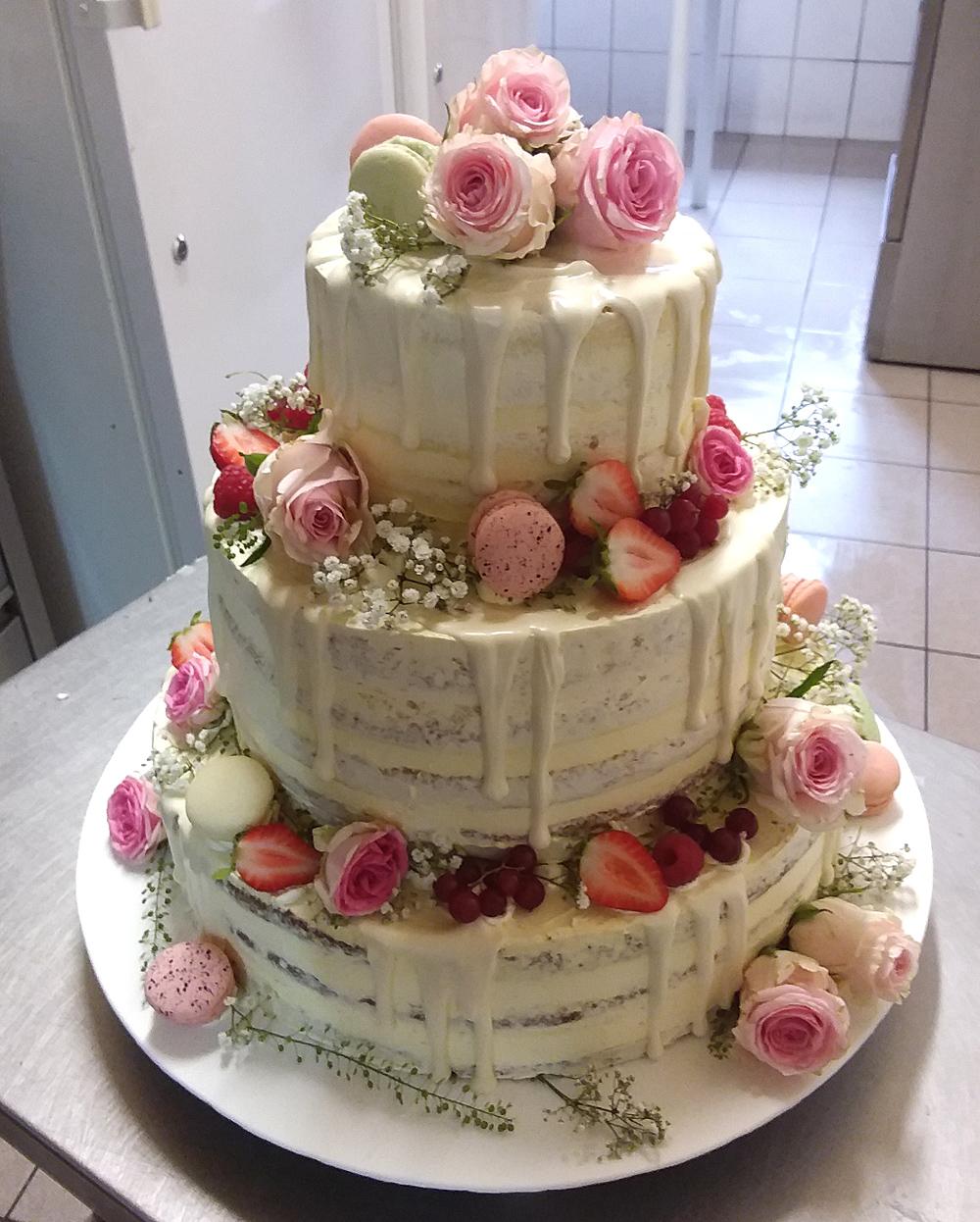 Naked Cake Hochzeitstorte mit Ganache Glasur