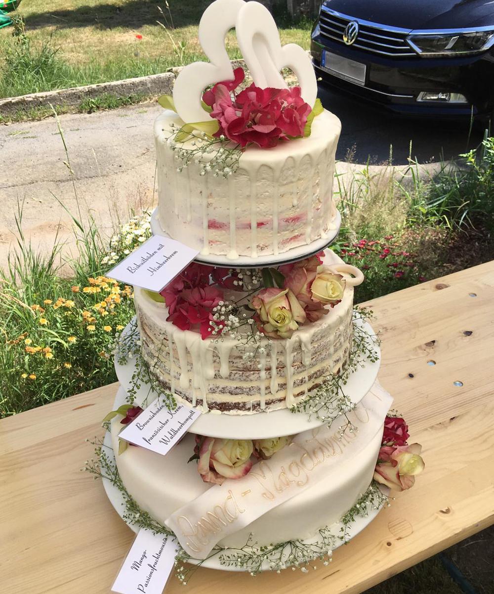 Naked Cake Hochzeitstorte Boho-Stil