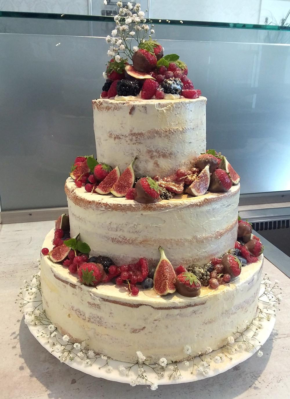 Naked Cake Hochzeitstorte mit Früchten 3-stöckig