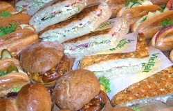 partyservice & snacks - reichhaltiges angebot bei der bäckerei krahl in dresden und freital